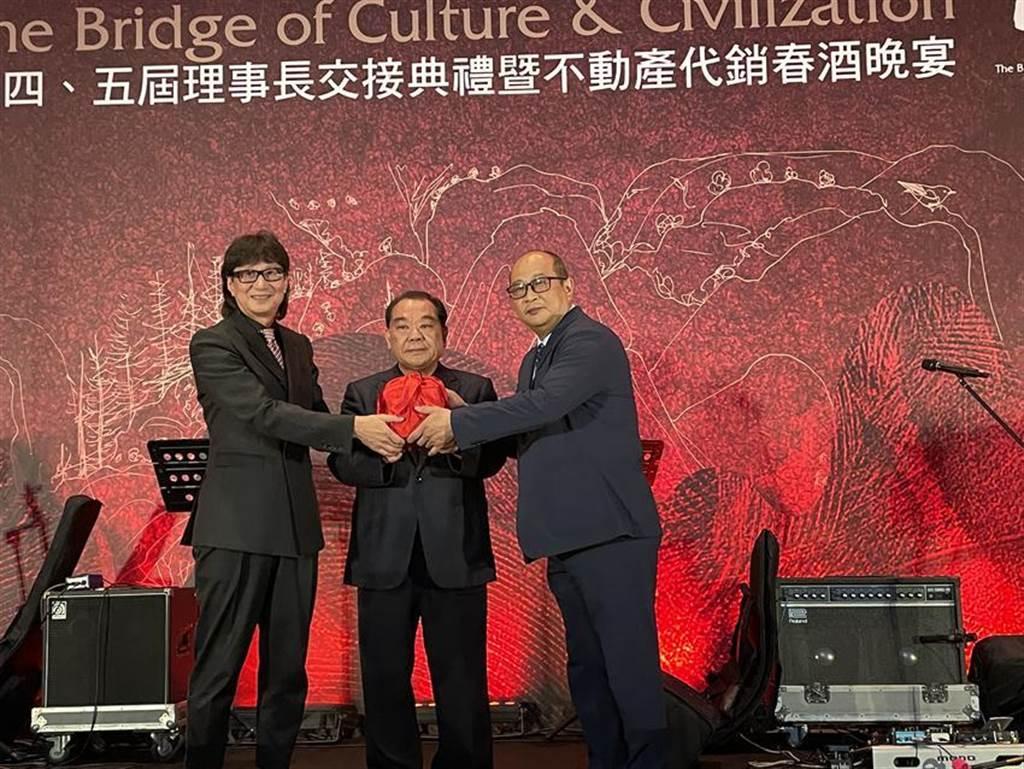 萬群地產總經理謝坤成 接掌房地產代銷公會理事長